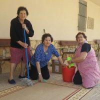 Limpiando Iglesia el simarro